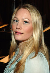 Actor Sarah Wynter