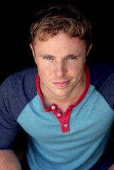 Actor Dustin Kerns