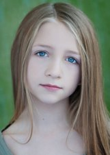 Actor Emma Rayne Lyle