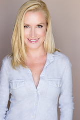 Actor Angela Kinsey