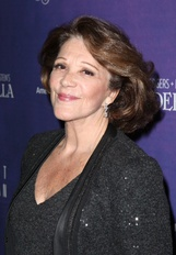 Actor Linda Lavin
