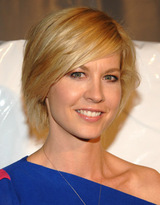Actor Jenna Elfman