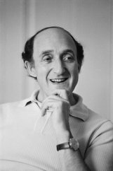 Actor Ron Moody