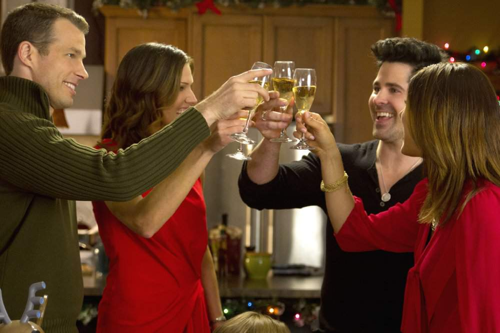 watch finding christmas 2013 full movie online